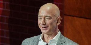 Jeff Bezos suma 13,000 millones de dólares a su fortuna en un solo día