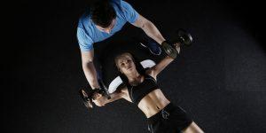 Cómo quemar grasa sin perder músculo, según un culturista