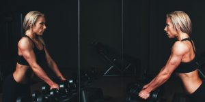 Un nuevo programa de pérdida de peso virtual ayudó a la gente a perder más kilos que en las sesiones intensivas tradicionales, según un estudio