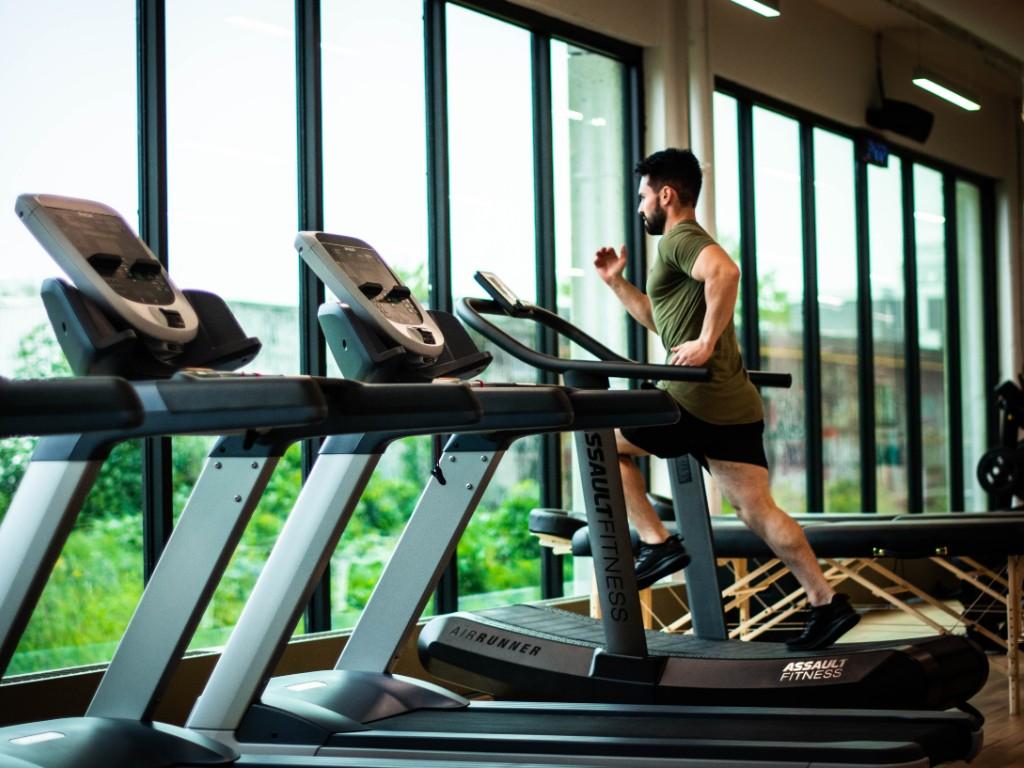 gym hacer ejercicio