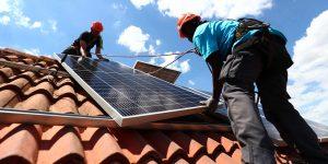 La CRE le puso el pie a un nuevo mercado de paneles solares — expertos argumentan que CFE quiere recuperar monopolio