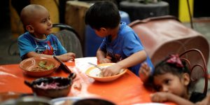 El coronavirus redujo a la mitad los ingresos en 1 de cada 3 hogares en México