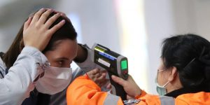 Los controles de temperatura no funcionan como medida de seguridad contra la pandemia e incluso pueden ser peligrosos
