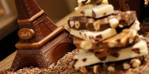 Una ciudad suiza quedó cubierta de nieve de chocolate debido a un error en una fábrica de Lindt