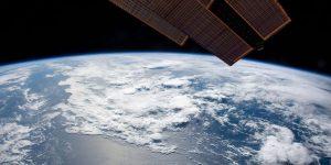 Un astrofísico que trabaja en Microsoft explica cómo los satélites ayudarán a cumplir con los objetivos de Desarrollo Sostenible de 2030