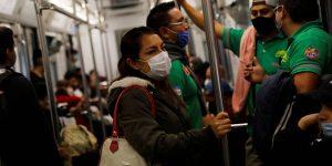 El Metro de CDMX tiene 50,000 tipos bacterias, revela un estudio de la UAM