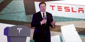 Elon Musk acaba de ganar 8,000 millones de dólares en un día. Así es como el CEO de Tesla gana y gasta su fortuna de 84,800 millones de dólares.