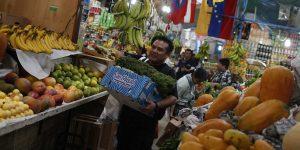 Frutas y verduras aceleran su precio 13% en la primera quincena de agosto —este aumento presiona a las familias más pobres