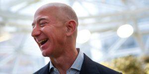 Jeff Bezos quiere vivir para siempre: estas son las startups de salud en las que ha invertido el CEO de Amazon