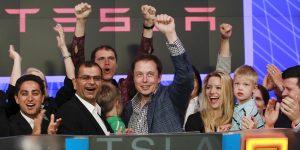 Cuánto habrías ganado si hubieras invertido 13,000 pesos en Tesla el día que salió a la bolsa