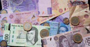 La inversión extranjera cayó 30% en el primer semestre y Banxico registra una salida de capital financiero por 5,900 mdd