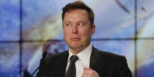 Elon Musk insinúa el desarrollo de baterías que podrían hacer posible los aviones eléctricos