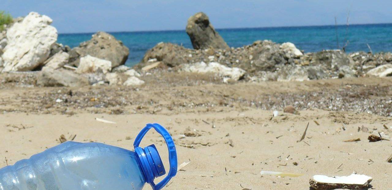 plástico reciclado de los océanos | Business Insider México