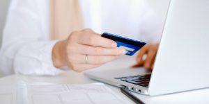 Cancelar una tarjeta de crédito no afecta tu historial en el corto plazo, pero a la larga te puede traer complicaciones, según experto