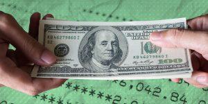 El gobierno aumenta su deuda en dólares y pone a México en una situación vulnerable