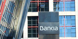 Caixabank y Bankia consideran una fusión; crearía la mayor entidad bancaria de España