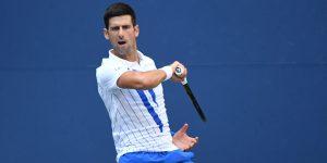 Novak Djokovic es descalificado del US Open tras golpear a una jueza de línea con una pelota