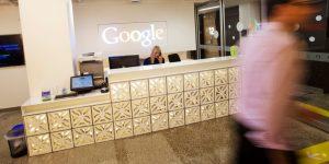 Conoce los sueldos de ingenieros de software, diseñadores UX, abogados y otros empleados de Google