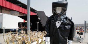 Este es el traje que usarán los presentadores que entreguen los trofeos a los ganadores del Emmy 2020