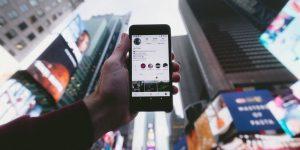 Anunciantes y redes sociales acuerdan medidas contra contenidos dañinos —tres meses después del boicot a Facebook