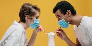 4 consejos para hacer que tu primera cita sea menos incómoda durante la pandemia del coronavirus