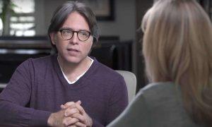 Las técnicas de psicología respaldadas por la ciencia que Keith Raniere usó en NXIVM para «fetichizar la vulnerabilidad» y manipular a los miembros