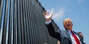 Pedazos del muro fronterizo de Estados Unidos se venden como chatarra en México