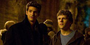 """Andrew Garfield insultaba a Jesse Eisenberg en el set de """"The Social Network"""" para ayudarlo a interpretar a Mark Zuckerberg"""
