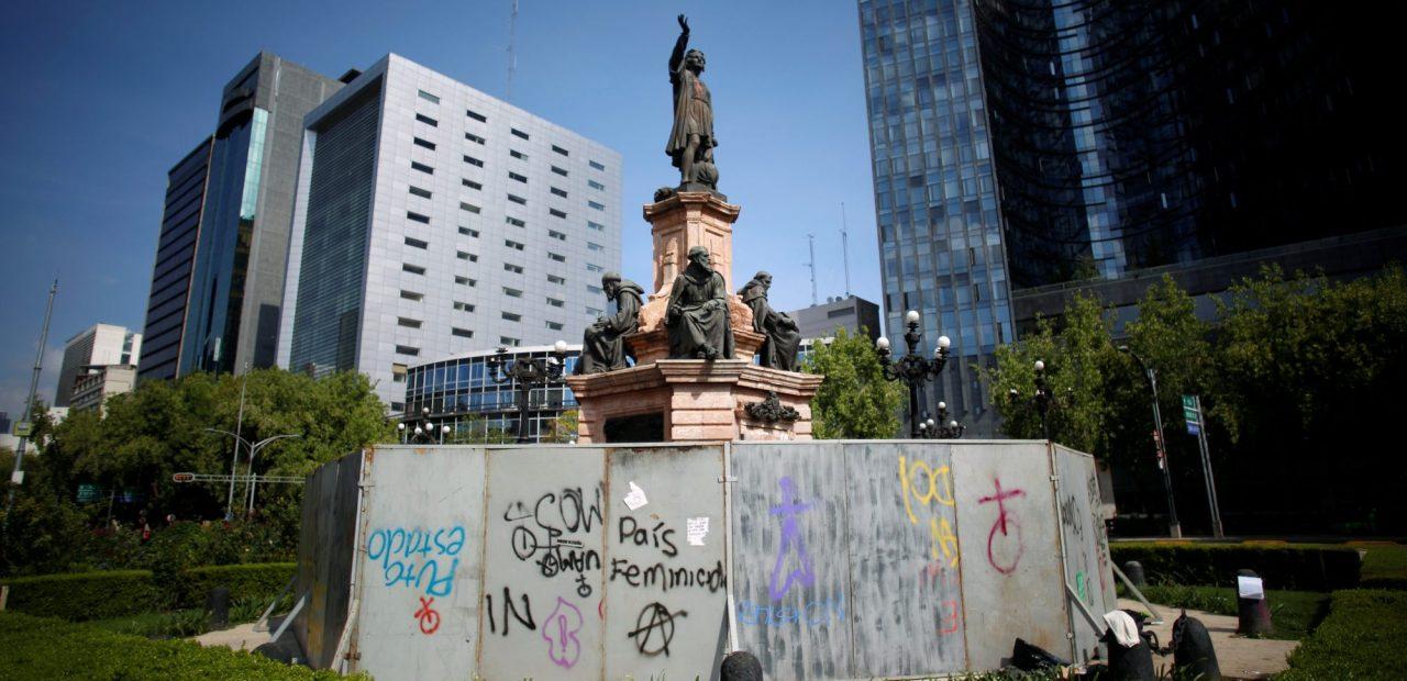 cristobal colon estatua  Business Insider México