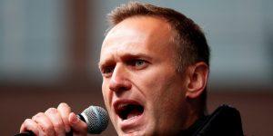 La Unión Europea y Gran Bretaña sancionan a funcionarios rusos por envenenamiento de Alexei Navalny