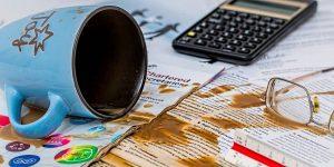 Cometer estos 4 errores financieros puede arruinarte durante años —concéntrate en prevenirlos