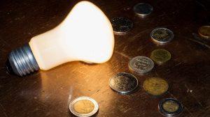Ahora la electricidad, el jitomate y el gas LP empujan a la inflación por encima del objetivo de Banxico