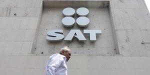 El SAT denuncia a más servidores públicos e incrementó la recaudación de grandes empresas
