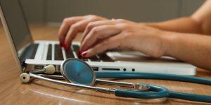 Microsoft lanza Cloud for Healthcare para ayudar al sector salud mundial por medio de la digitalización