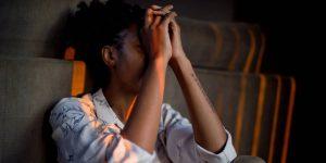 El truco para entrenar a tu cerebro a superar el miedo y así puedas manejar mejor el estrés durante tiempos turbulentos