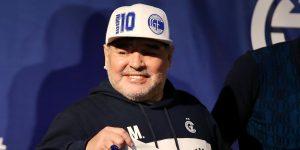 Diego Maradona sufre episodio de confusión por abstinencia y seguirá internado; se encuentra estable