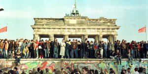 Cómo se produjo la caída del Muro de Berlín hace 31 años