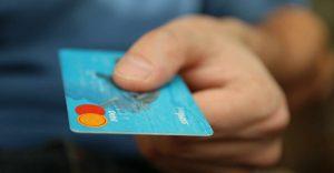 El crédito bancario a empresas y personas está en caída libre —la pandemia y la pérdida de empleos agudizan la tendencia