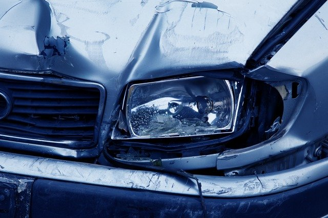 ¿Qué hacer en caso de un choque automovilístico? | Pixabay