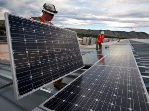 50 empresas de Quintana Roo obtendrán electricidad gratis durante 6 meses para hacer frente a la crisis