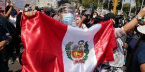 Perú busca un nuevo presidente tras la renuncia de Manuel Merino, quien duró 5 días en el cargo