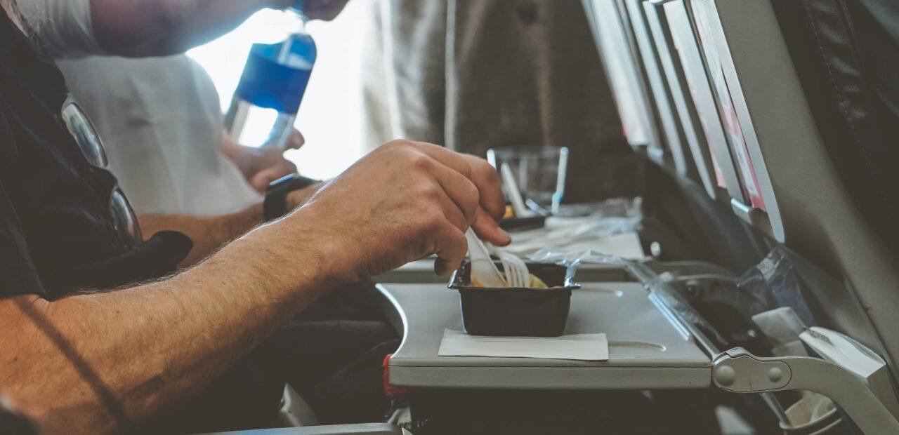 Lufthansa dejará de ofrecer bocadillos gratis en clase económica | Business Insider Mexico