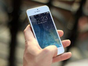 3 maneras en las que el aumento de precios del espectro radioeléctrico afecta a los usuarios de telefonía móvil