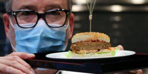 Engañando a las papilas gustativas: así es como los fabricantes de sabores compiten por crear la carne vegetal más sabrosa