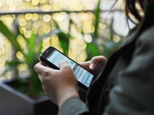 Evita ser víctima de ciberdelitos en tus dispositivos personales y de trabajo con estos consejos de especialistas
