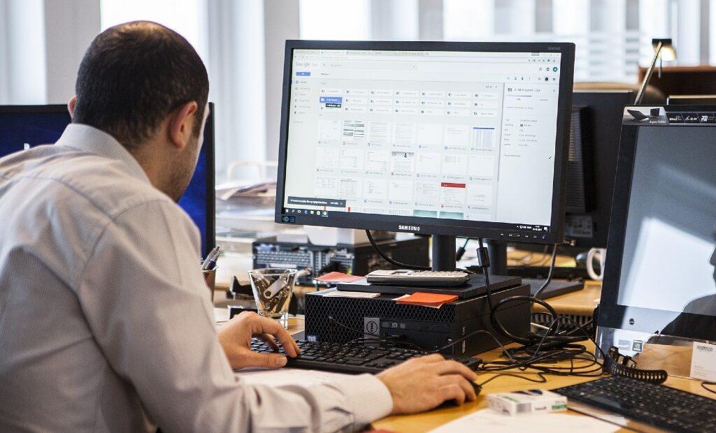 Microsoft Productivity Score vigilará tu actividad mientras usas su sistema | Business Insider Mexico