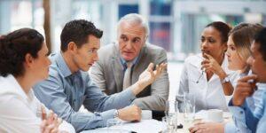 Cómo hablar con más confianza en las reuniones de trabajo si tienes problemas de ansiedad