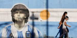 La muerte de Diego Armando Maradona dispara una compleja disputa por su herencia