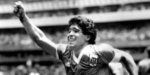 La camiseta con la que Maradona anotó usando la «Mano de Dios» en el Mundial de México 1986 podría venderse en 2 millones de dólares