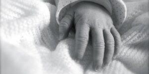 Un bebé nace con anticuerpos de Covid-19; ahora Singapur estudia los embarazos de mujeres infectadas